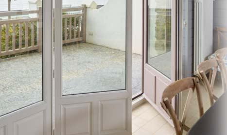 Le Pole fenêtre FFB présente le Guide d'aide à la prescription des entrées d'air sur les menuiseries « changement de fenêtres & ventilation »