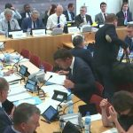 Huit députés ont tenté de faire interdire les menuiseries PVC dès 2022 !