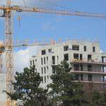 Baisse des logements autorisés et hausse des mises en chantier en un an