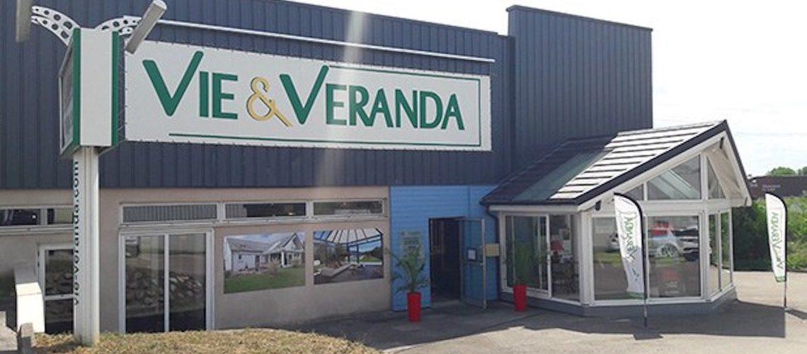 Animation commerciale et digitalisation : comment le réseau de franchise Vie & Véranda s'organise face au confinement ?