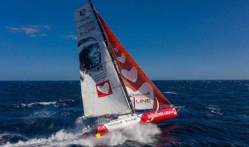 Initiatives, K-LINE et VINCI Energies renouvellent leur engagement avec la navigatrice Sam Davies